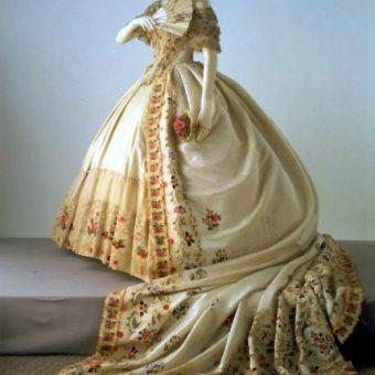 Significado de cola del vestido de novia